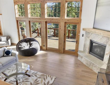 luxurious alpine home summer living room