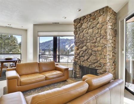 modern squaw valley townhome rental with mountain view
